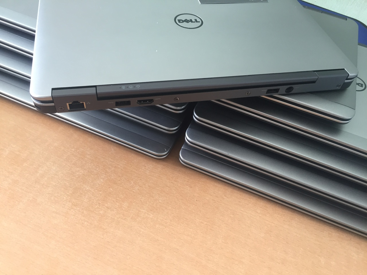 Laptop Cũ Dell Latitude E7240-I7-4300/4g/SSD128G