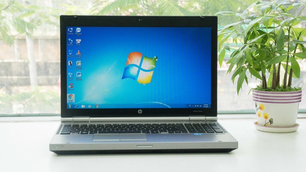 HP EliteBook 8560p Core i7-2620M,HDD 320G