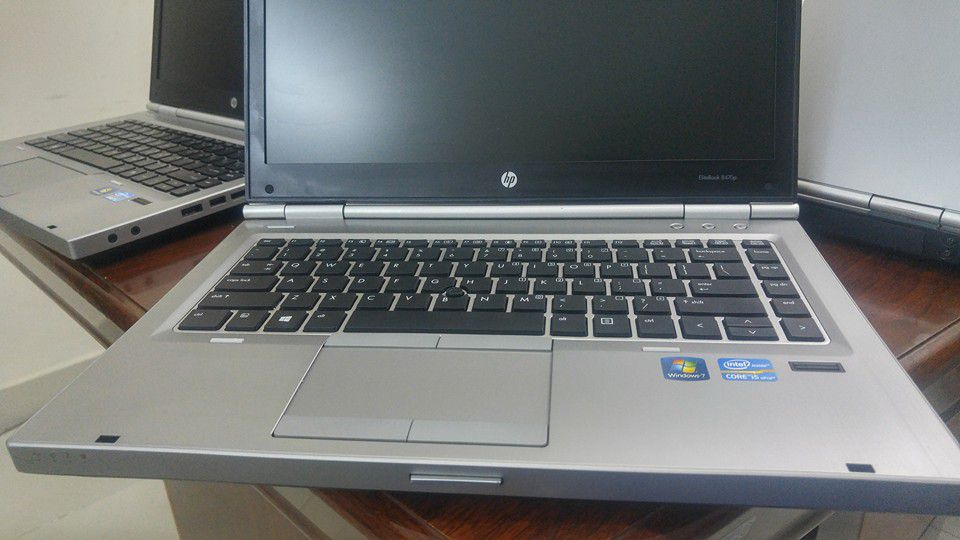 HP elitebook 8470p I5-3320/4G/SSD128G